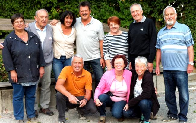 Die diesjährige Schnupper-Boule-Gruppe mit den Betreuern der Boulefreunde Denkendorf.