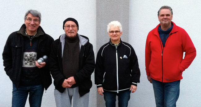 Die Tagessieger von links nach rechts: Rudi Meier (1.), Franco Spiridigliozzi (2.), Joachim Engisch (3., fehlt auf dem Foto), Brigitte Mezger (4.), Hans Peter Fuchs (4.)